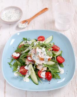 Chicken with Herbed Yoghurt & Salad