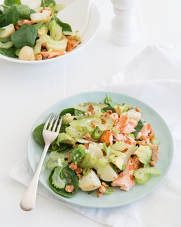 Salmon, Avocado & Walnut Salad