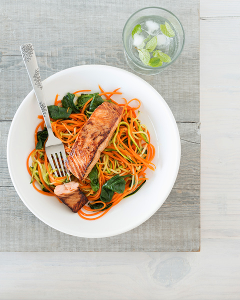 Low FODMAP Seared Salmon with Vegetable Noodles