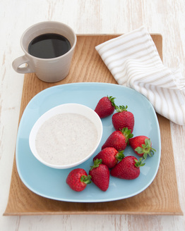 Low FODMAP Sweet Spiced Dip with Fruit