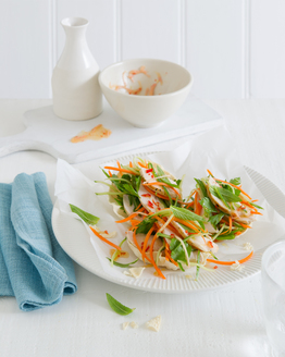 Low FODMAP Parcels with Chicken, Mint & Lime Salad