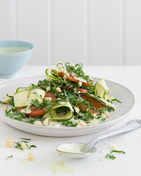 Low FODMAP Kale & Macadamia Salad