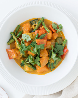 Family Sweet Potato & Green Bean Yellow Curry
