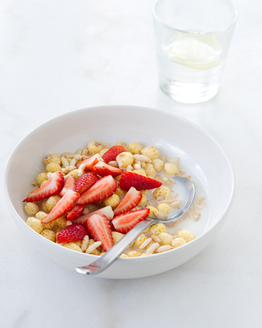 Gluten Free Muesli with Strawberries