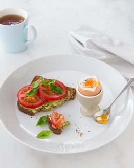 Egg with Avocado & Tomato Toast