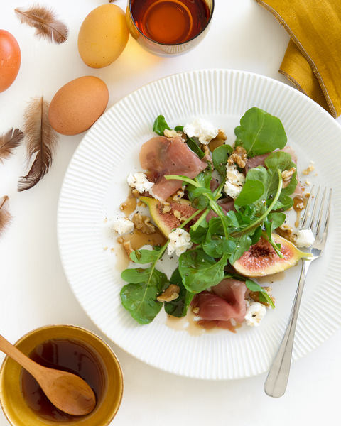 Fresh Fig & Prosciutto Salad with Honey Balsamic Dressing