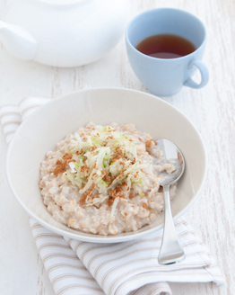 Porridge with Cinnamon Apple