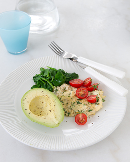 Scrambled Eggs with Spinach and Avocado