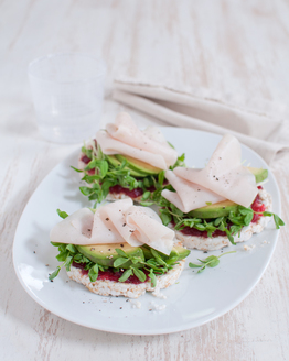 Turkey & Avocado Rice Cakes