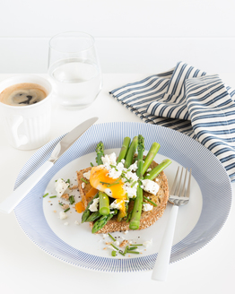 Poached Eggs with Asparagus & Feta