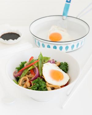 Kale, Noodle & Vegetable Stir Fry