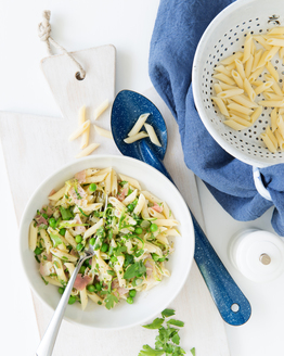 Pasta with Peas, Pancetta & Parsley