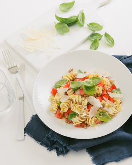 Fresh Tomato Pasta Salad