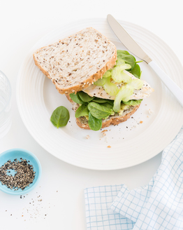 Chicken, Avocado & Spinach Sandwich